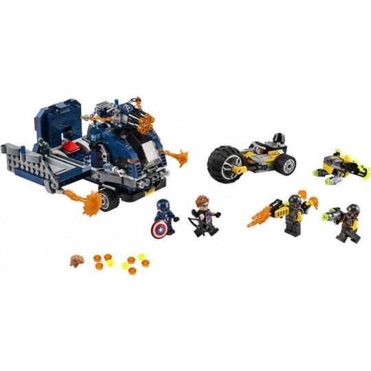 LEGO® Super Heroes: Avengers Truck Take-down